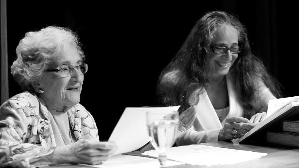 (O Vento Lá Fora) documentário com leituras de Cleonice Berardinelli e Maria Bethânia. © DR