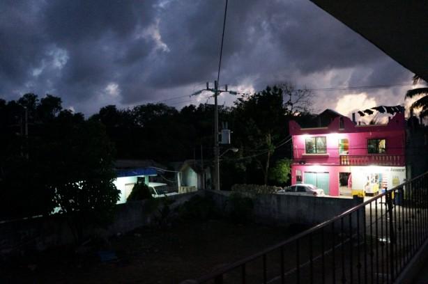 Noite na vila de Tulum