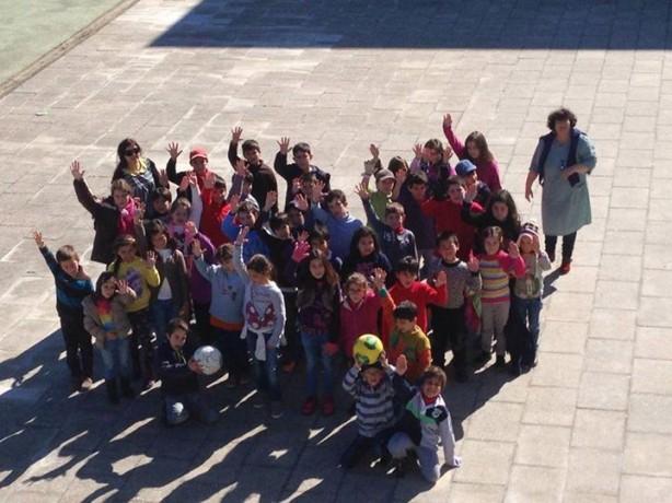 Os alunos da escola primária de Mação na recepão aos cinco