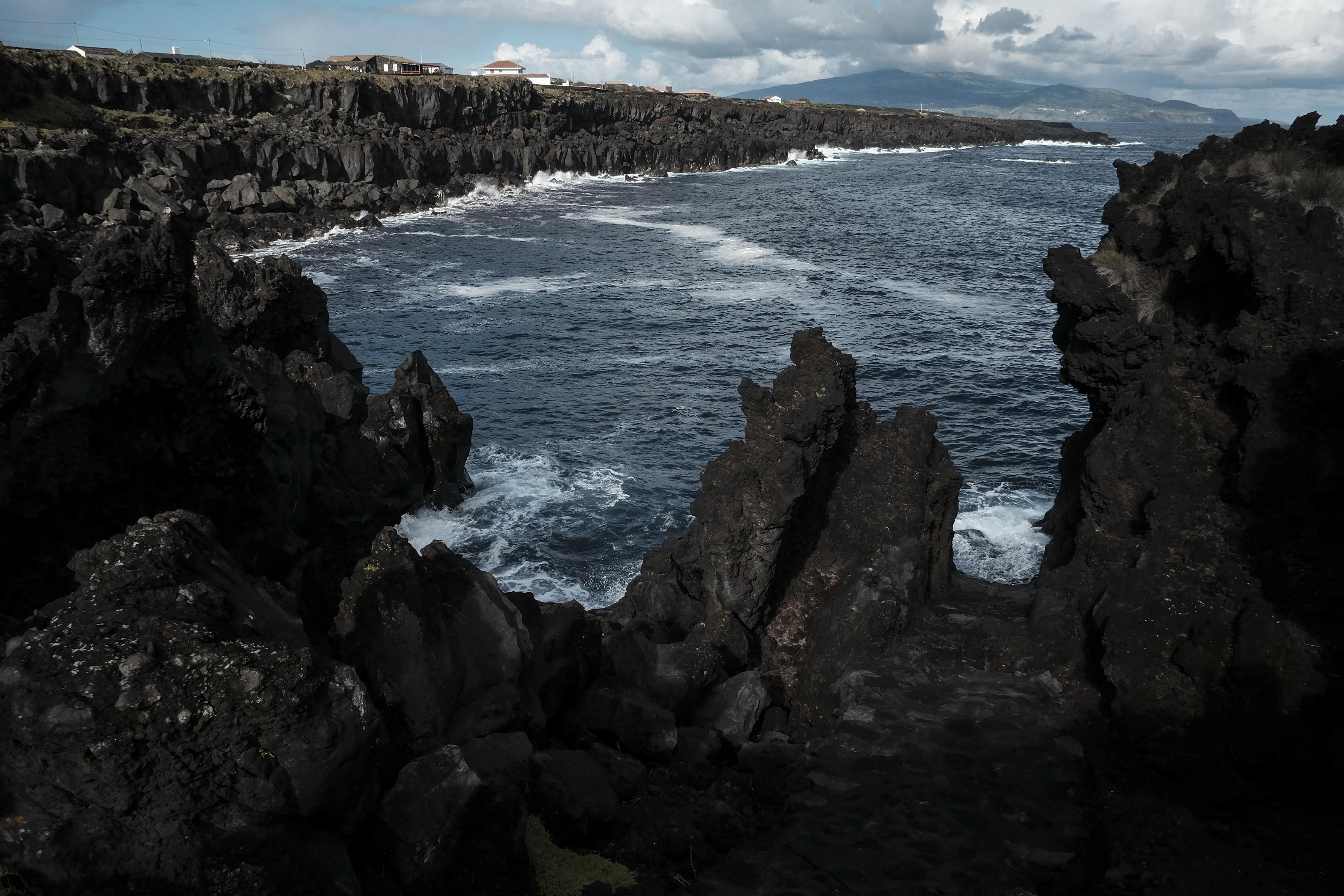 Pico. vista do mar do Cachorro - Foto de Manuel Roberto